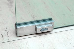 Patch lock for glass door fitting installation